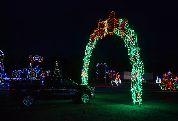 Drive-thru Christmas Light Show